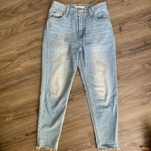 Levi mom jeans size 26